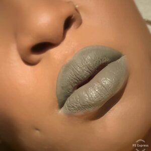 Lipstixxx model image